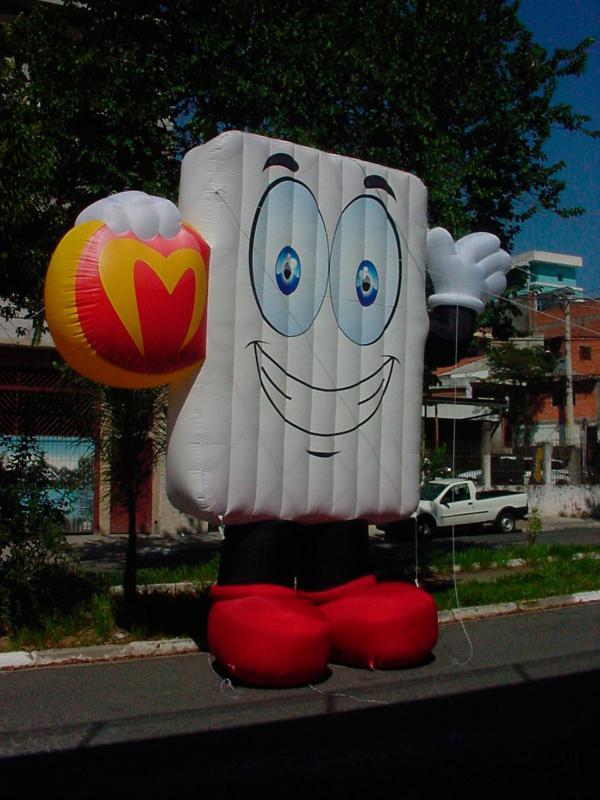 Boneco inflável gigante preço