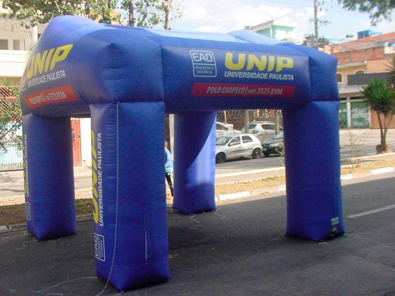 Tenda inflável gigante
