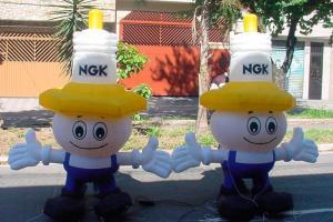 Logotipo boneco inflável